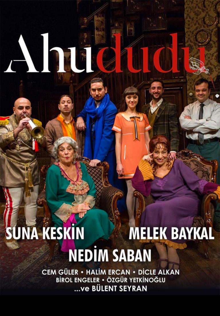 27. sanat yılında Tiyatro Kare'den üç oyun Türkiye'nin pek çok yerinde