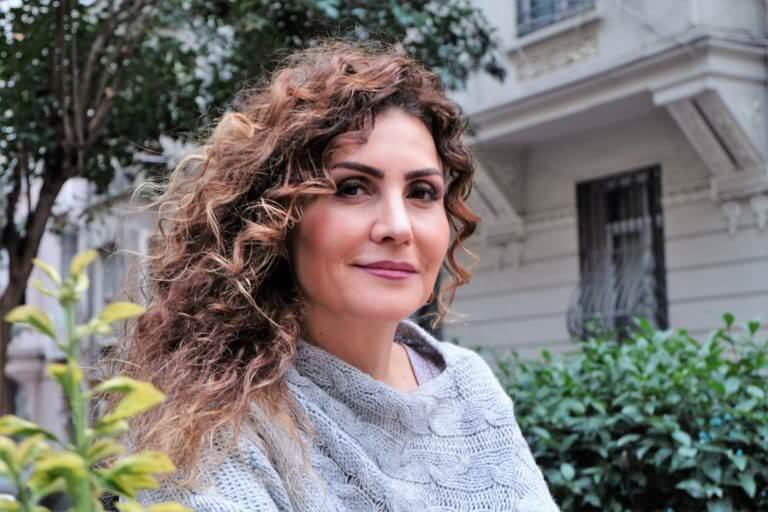 """Söyleşi-Serenad Bağcan: """"Acıdan besleniyor, şarkılar. Aslında sanat da öyle…"""""""