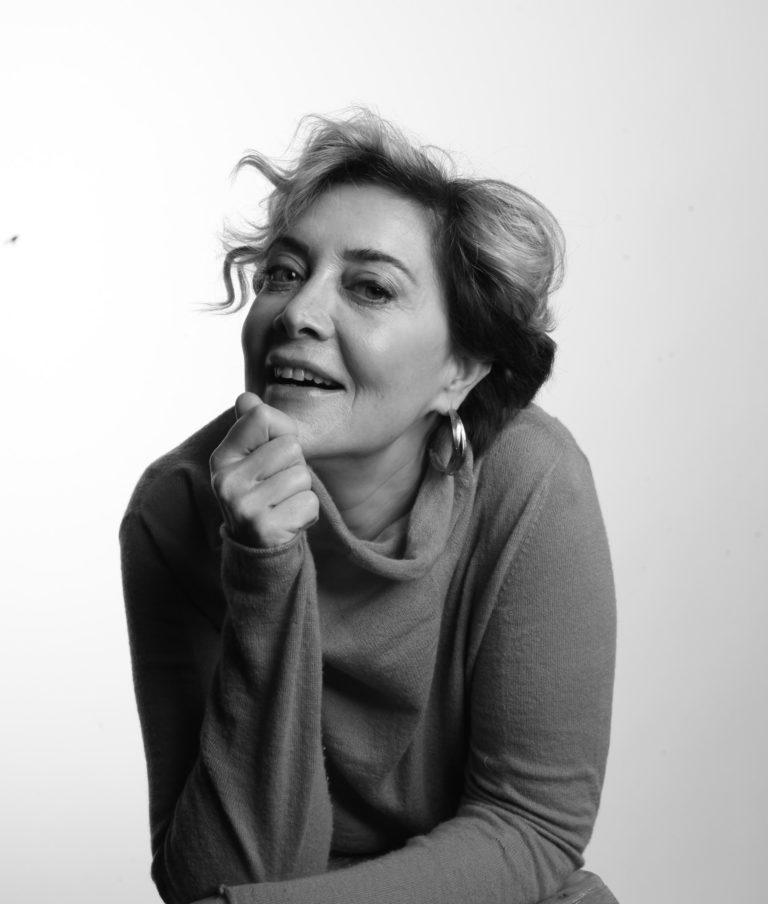 """Söyleşi – Tilbe Saran: """"Her dönem kendi gerçekliğini, ahlâkını, aşkını, estetiğini yaratıyor"""""""
