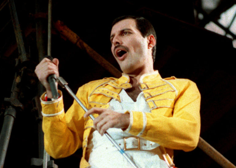 Freddie Mercury'nin sesini taklit et: FreddieMeter sana puan versin