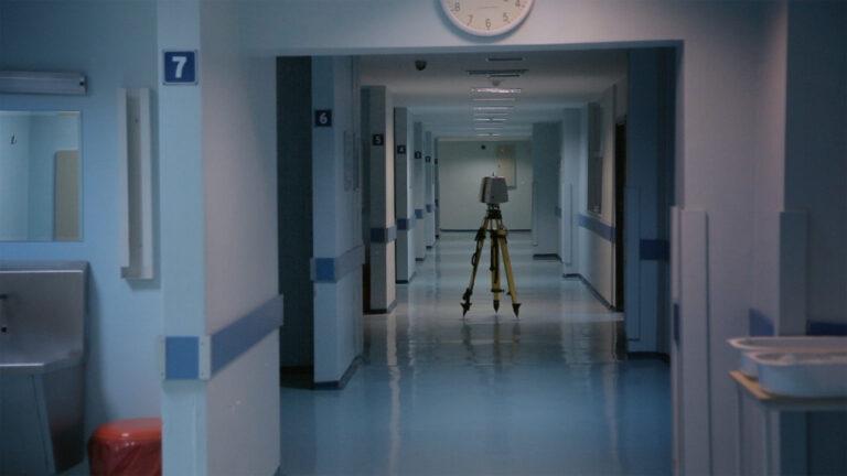 """Deniz Tortum'un son filmi """"Maddenin Halleri"""" ile hastanedeki hayatlara bakış"""