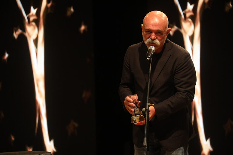"""Altın Koza'da En İyi Film: """"Nasipse Adayız"""""""