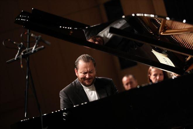 """Söyleşi – Gökhan Aybulus: """"İyi müzisyen olmak, iyi oda müziği yapıyor anlamına gelmez"""""""