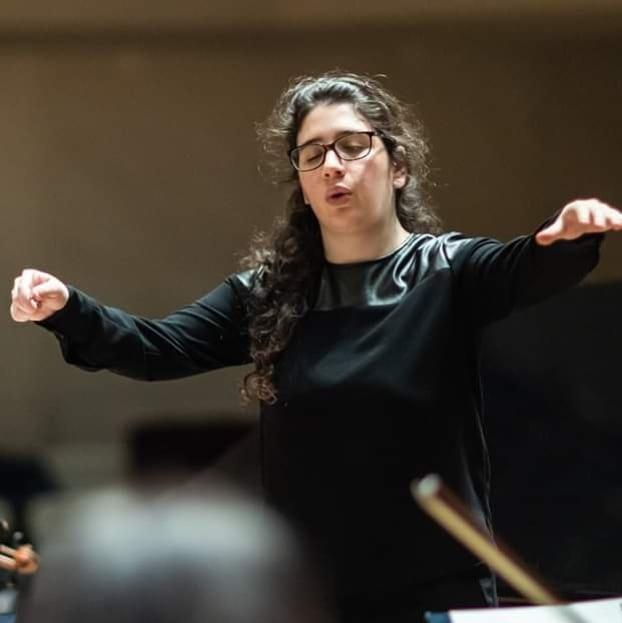 """Söyleşi – Nil Venditti: """"Orkestra şefi sinirli olursa müzisyenler de sinirli çalar"""""""