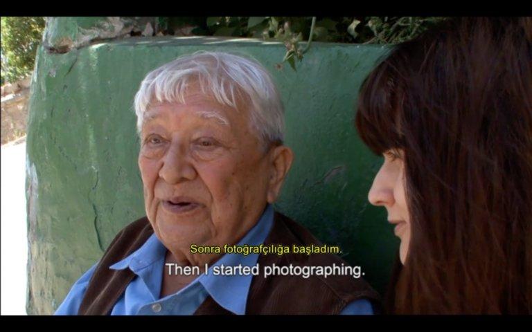 """Lütfi Özkök belgeseli """"Fil Gibi Evdeki Şair""""i dijitalden izleyebilirsiniz"""