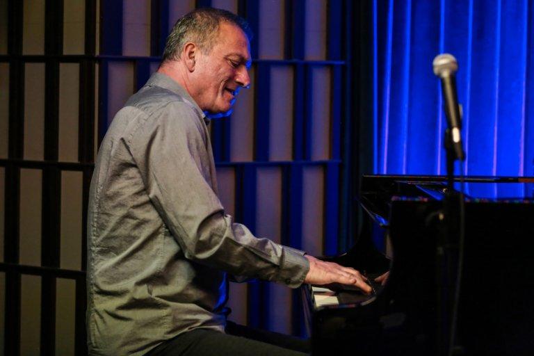 """Söyleşi- Kerem Görsev: """"Gerçek bir caz müzisyeni için caz, daima ilk seçenektir hayatta"""""""