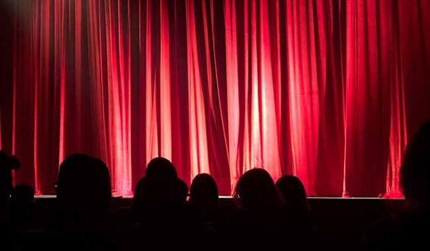 Tiyatro Kooperatifi'nden #BizdeYerinAyrı seyirci destek programı