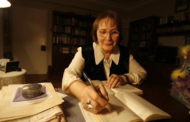 PEN Türkiye ayın kitaplarını seçti: Adalet Ağaoğlu'nun tüm yapıtları