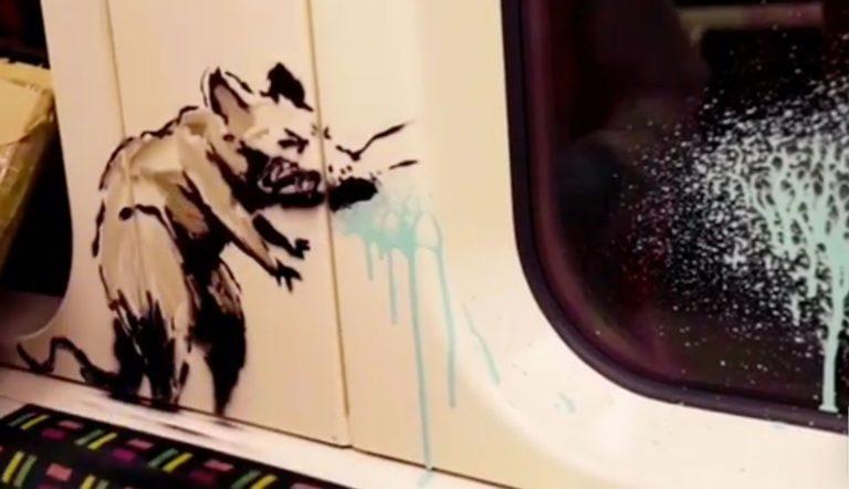 Banksy'nin koronavirüs temalı grafitileri metroda!
