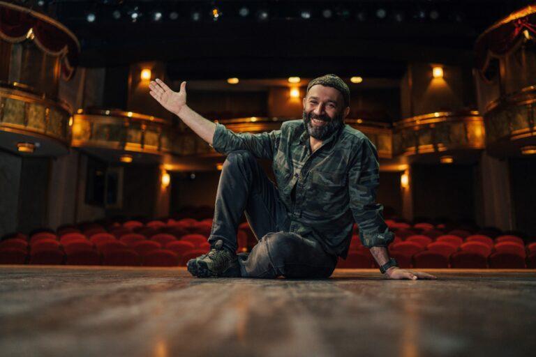 "Şevket Çoruh: ""Yaşasın sanat, yaşasın tiyatro, yaşasın insan!"""