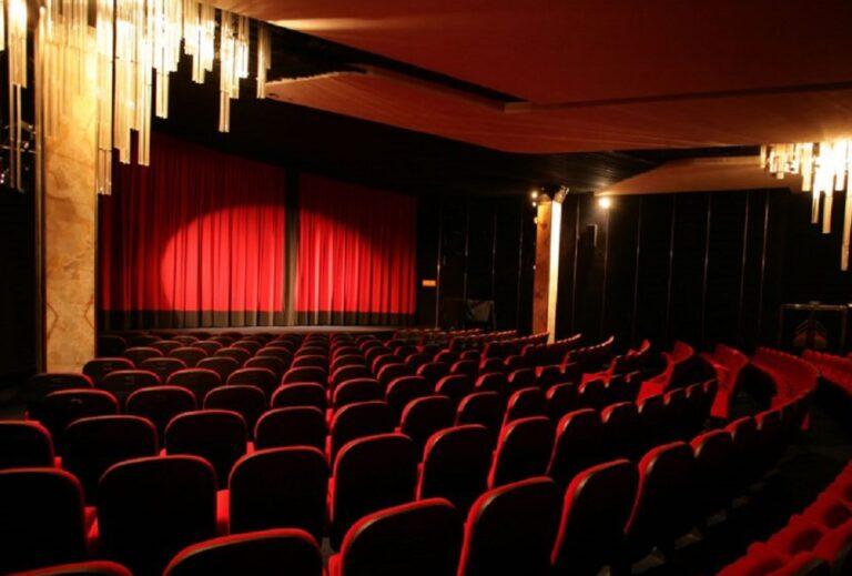 """Tiyatro Kooperatifi: """"Özel tiyatrolar çöküşte"""""""