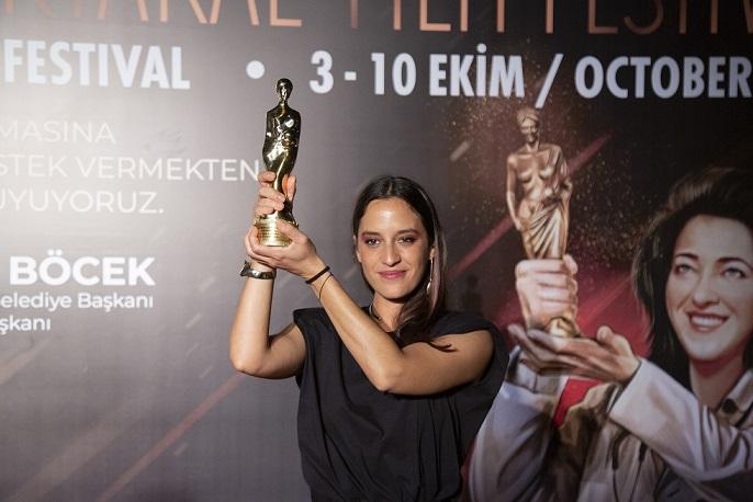 """AltınPortakal'ınEn İyi Filmi;Azra Deniz Okyay'ın yönettiği""""Hayaletler"""""""