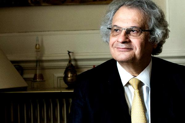 """Amin Maalouf """"Uygarlıkların Batışı"""" kitabı ile ödül kazandı"""
