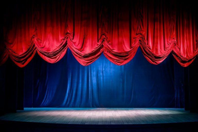 """""""Tiyatro, antidemokratik yöntemlerle yaşatılamaz"""""""